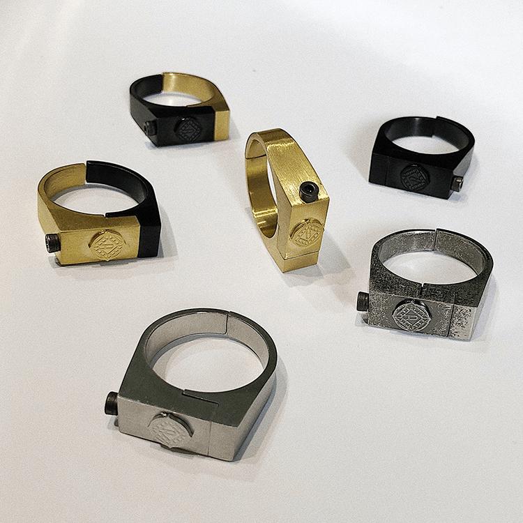 Кольцо SAZ Studio Detail Square Ring