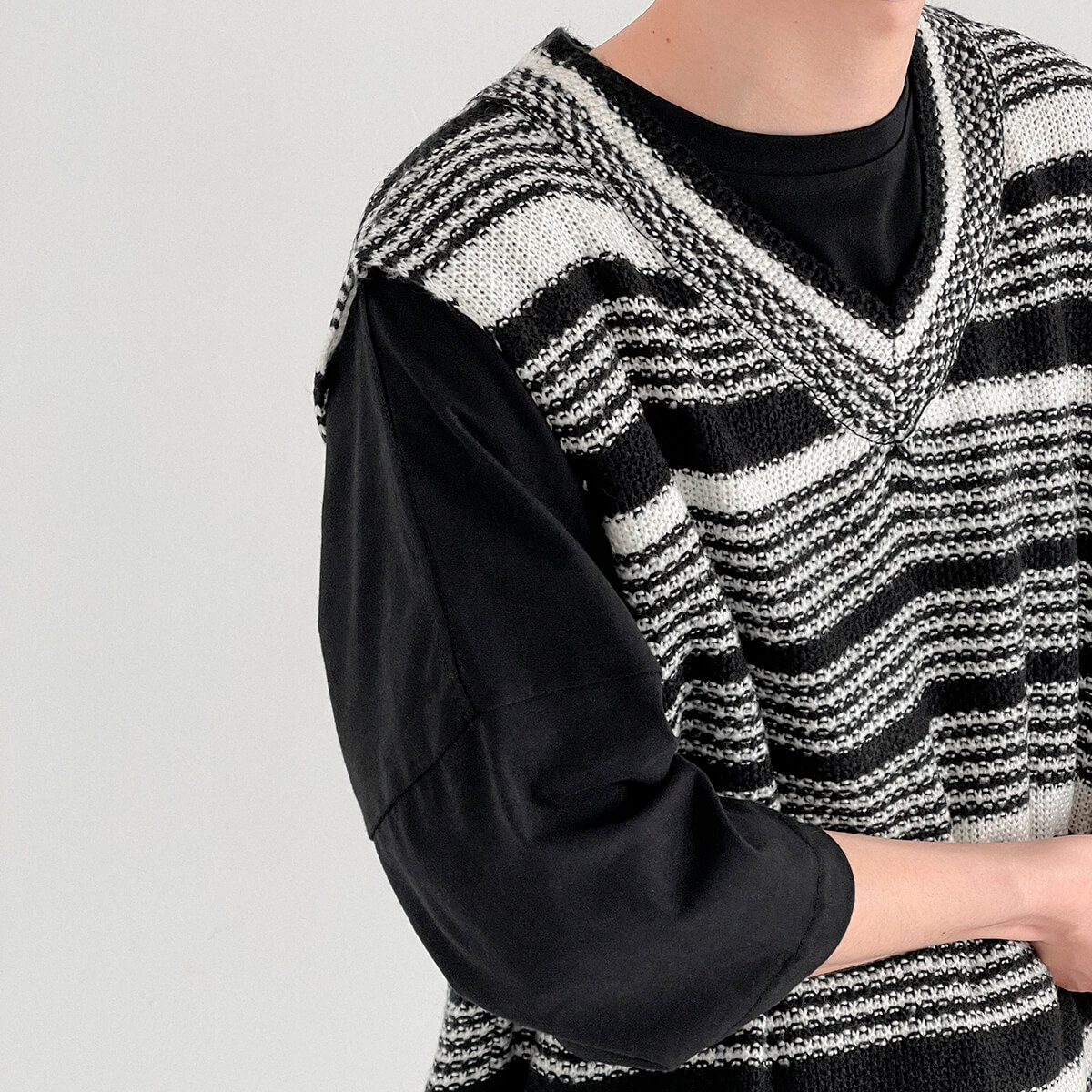 Жилет DAZO Studio Striped Knit Vest (2)
