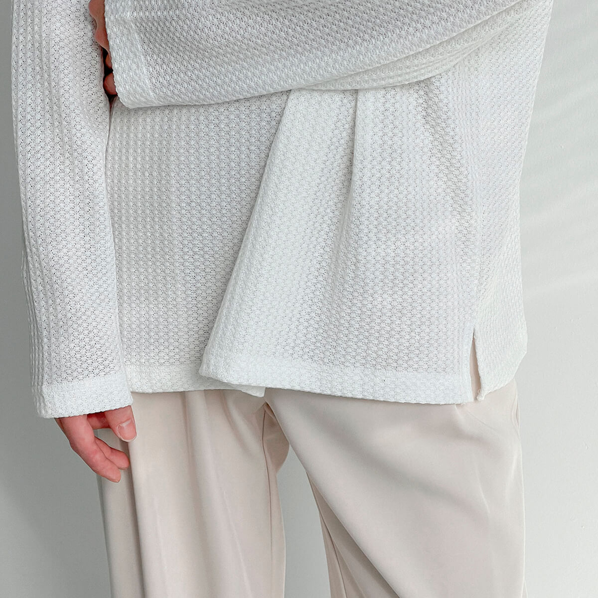 Лонгслив DAZO Studio Textured Long Sleeve Custom Neckline (10)
