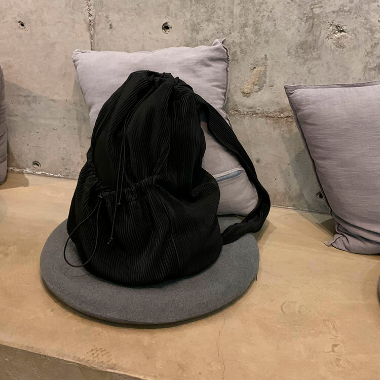 Сумка Attitude Studio Vertical Striped Shoulder Bag (1)