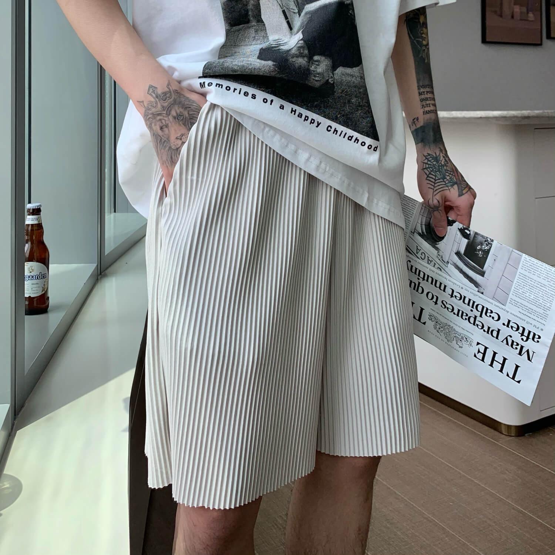 Шорты Cui Layout Studio Minimalist Vertical Striped Shorts (2)