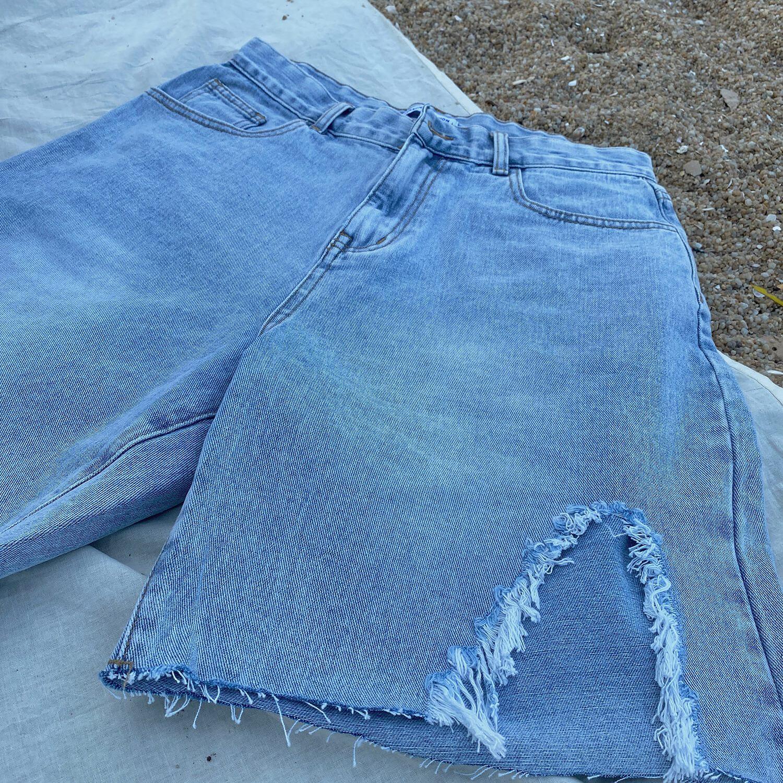 Шорты 19 Studio Left Ripped Denim Shorts (2)