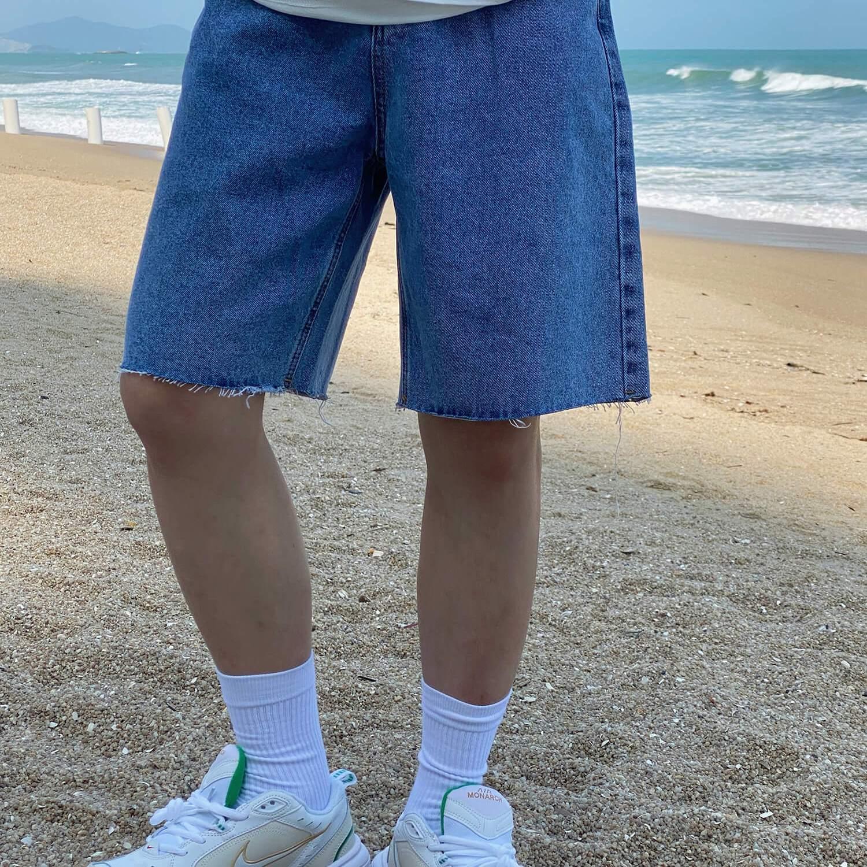 Шорты 19 Studio Ripped Bottom Denim Shorts (2)