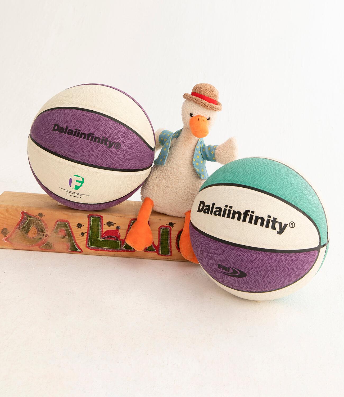 Баскетбольный мяч DL Studio Signature Basketball (1)