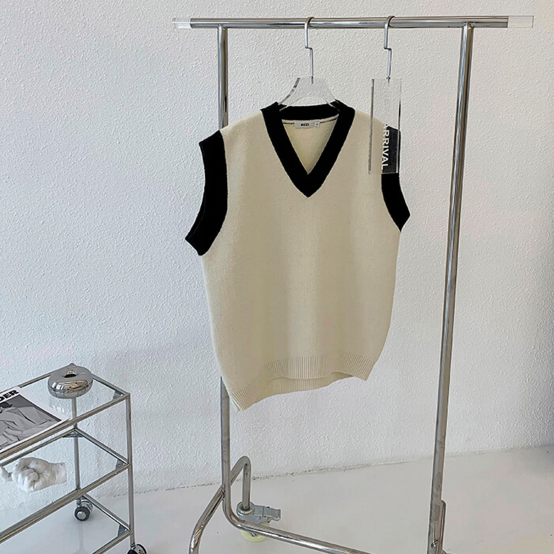Жилет Attitude Studio Minimalist Piping Vest (1)